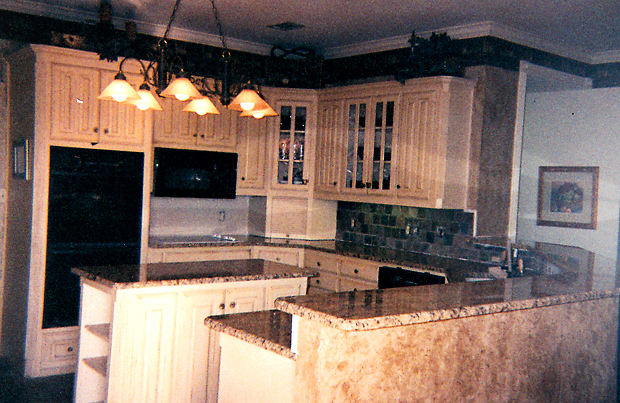 we are a company specialized in custom cabinets kitchen cabinets and